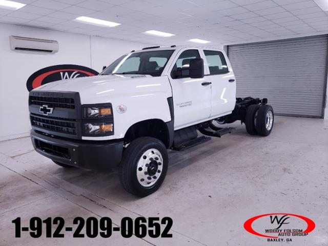 2020 Chevrolet Silverado Medium Duty Crew Cab DRW 4x4, Cab Chassis #TC081509 - photo 1