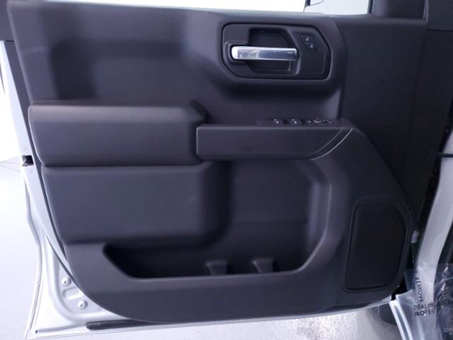 2021 Chevrolet Silverado 1500 Crew Cab 4x2, Pickup #TC122707 - photo 10