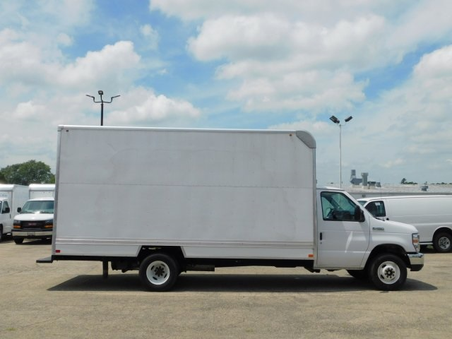 2017 E-450 4x2,  Cutaway Van #FT10864 - photo 3