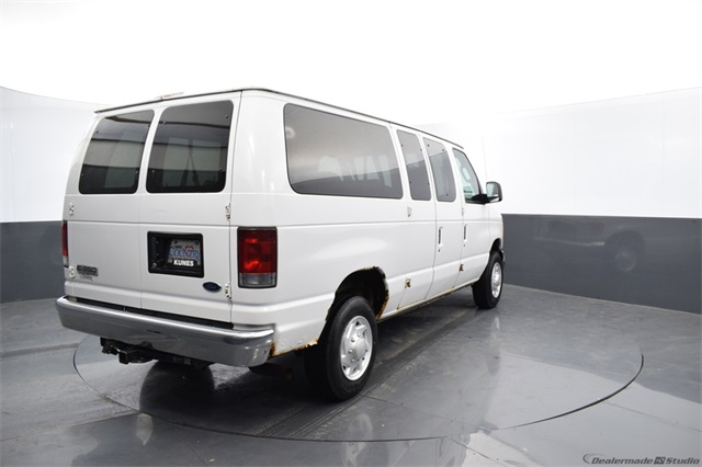 2006 Ford E-350 4x2, Passenger Wagon #FT14273A - photo 1
