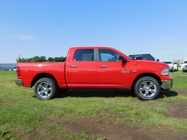 2018 Ram 1500 Crew Cab 4x4,  Pickup #DP03262 - photo 3