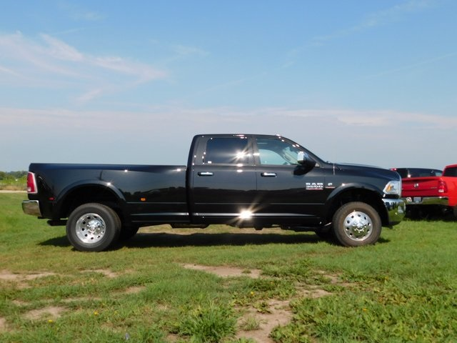 2018 Ram 3500 Crew Cab DRW 4x4,  Pickup #DT03316 - photo 3