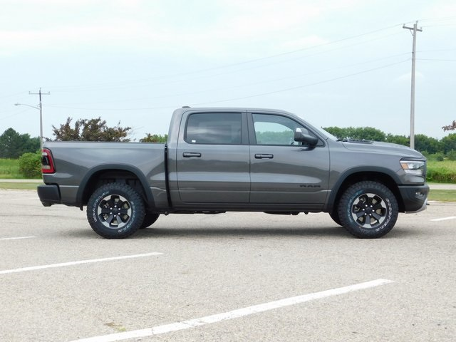 2019 Ram 1500 Crew Cab 4x4,  Pickup #DT03341 - photo 3