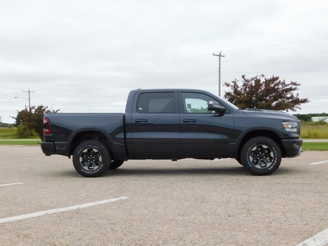 2019 Ram 1500 Crew Cab 4x4,  Pickup #DT03342 - photo 3