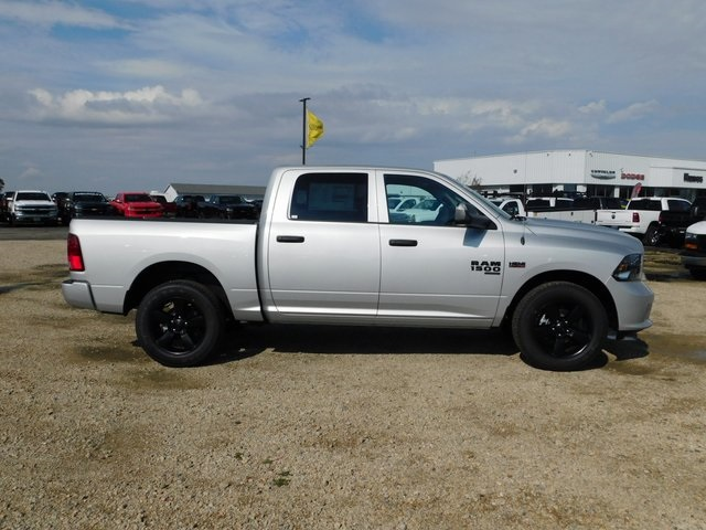 2019 Ram 1500 Crew Cab 4x4,  Pickup #DT03367 - photo 3
