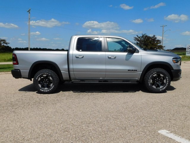 2019 Ram 1500 Crew Cab 4x4,  Pickup #DT03372 - photo 3