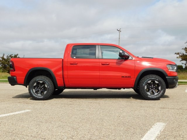 2019 Ram 1500 Crew Cab 4x4,  Pickup #DT03438 - photo 3