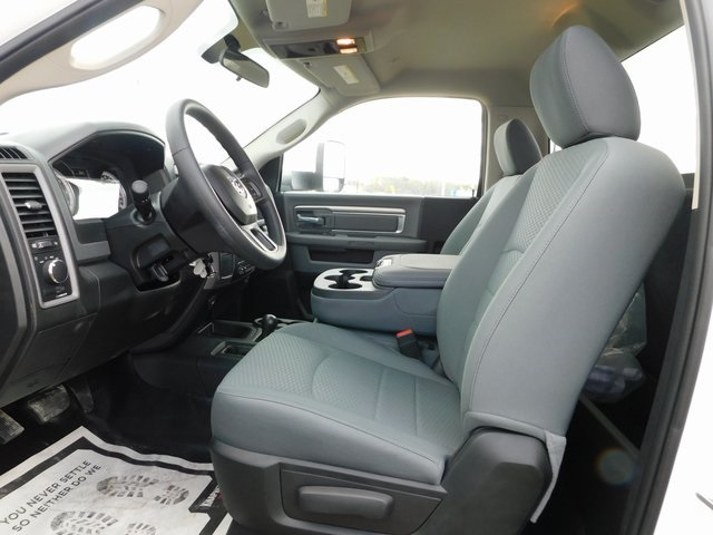 2018 Ram 3500 Regular Cab DRW 4x4,  Knapheide Service Body #DT03554 - photo 13