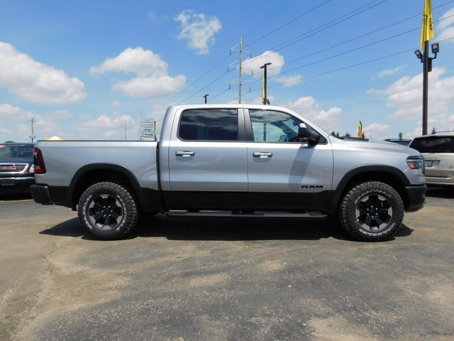 2019 Ram 1500 Crew Cab 4x4,  Pickup #DT03580 - photo 3