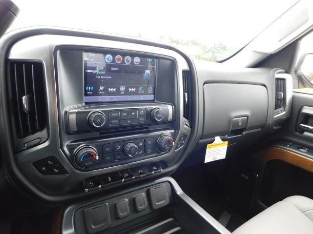 2018 Silverado 1500 Crew Cab 4x4,  Pickup #GT02668 - photo 17