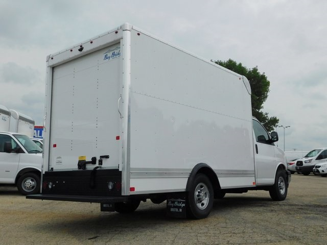 2018 Express 3500 4x2,  Bay Bridge Cutaway Van #GT02758 - photo 2