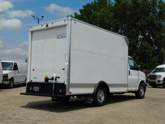 2018 Express 3500 4x2,  Bay Bridge Cutaway Van #GT02760 - photo 2