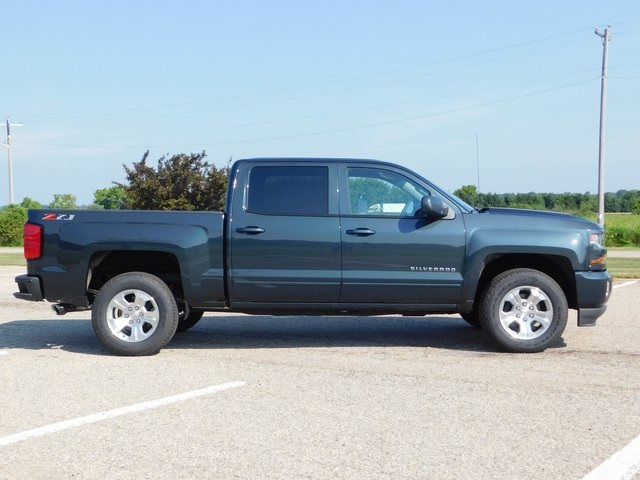2018 Silverado 1500 Crew Cab 4x4,  Pickup #GT02834 - photo 3