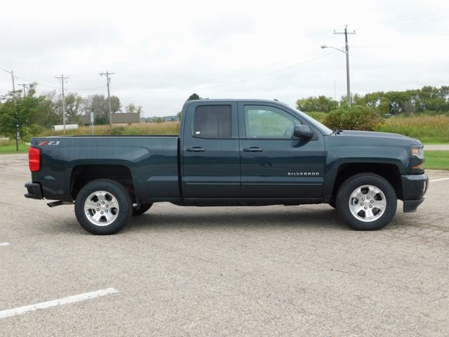 2019 Silverado 1500 Double Cab 4x4,  Pickup #GT02898 - photo 3