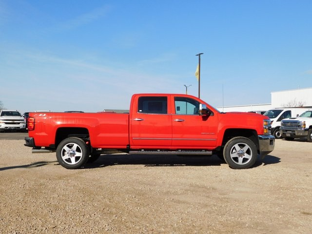 2019 Silverado 2500 Crew Cab 4x4,  Pickup #GT02946 - photo 3