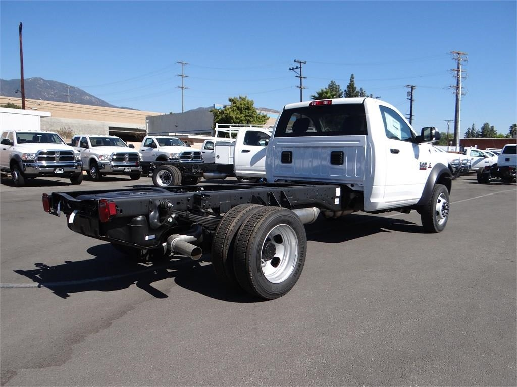 2018 Ram 5500 Regular Cab DRW 4x2,  Cab Chassis #R1568T - photo 2