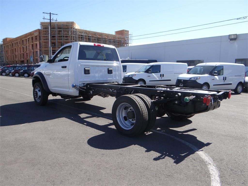 2018 Ram 5500 Regular Cab DRW 4x2,  Cab Chassis #R1568T - photo 5
