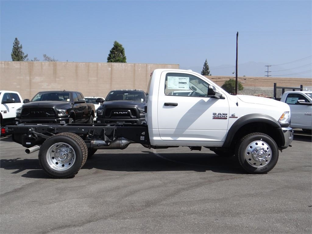 2018 Ram 4500 Regular Cab DRW 4x4,  Cab Chassis #R1673T - photo 3