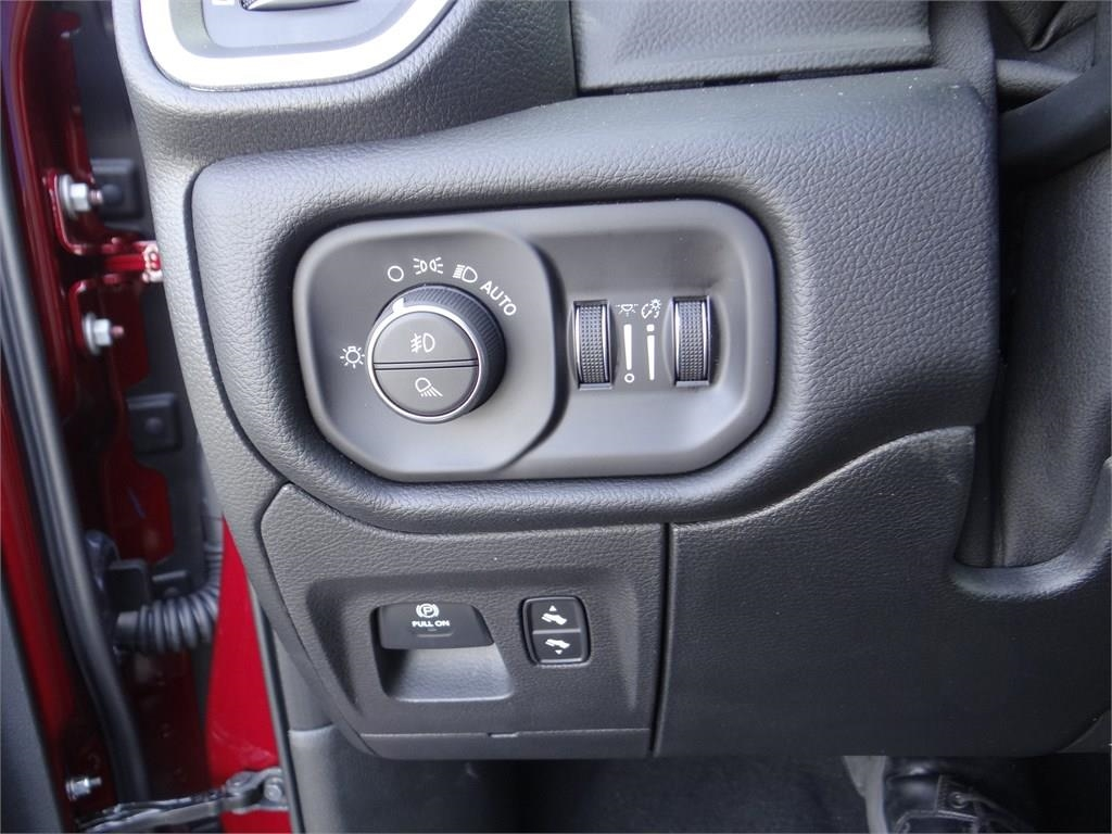 2019 Ram 1500 Crew Cab 4x2,  Pickup #R1679 - photo 16