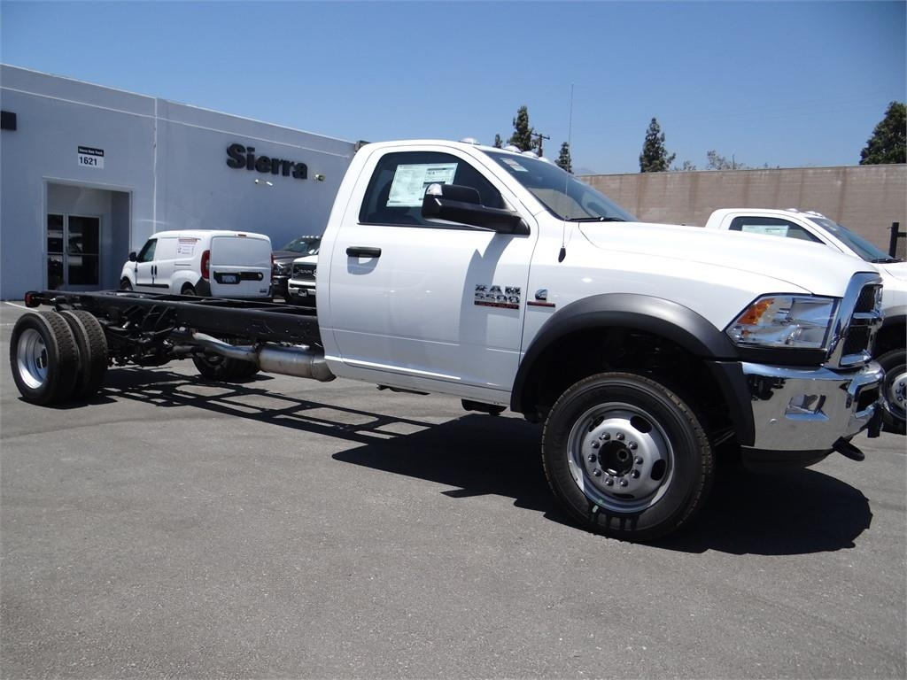 2018 Ram 5500 Regular Cab DRW 4x2,  Cab Chassis #R1725T - photo 3