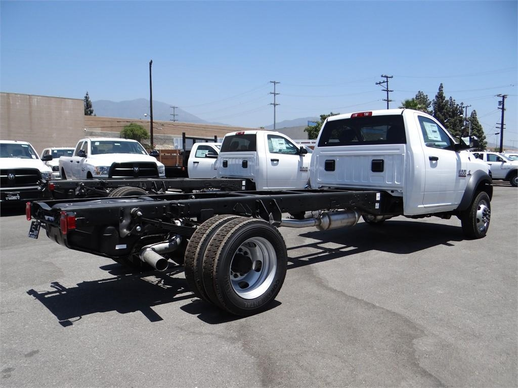 2018 Ram 5500 Regular Cab DRW 4x2,  Cab Chassis #R1725T - photo 2