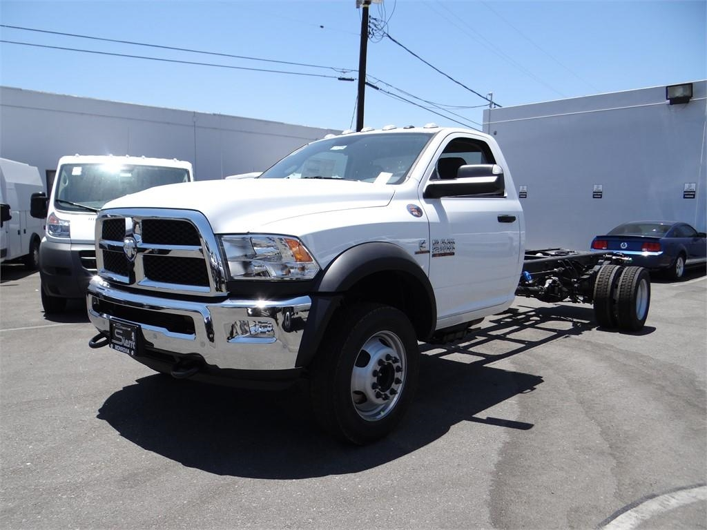 2018 Ram 5500 Regular Cab DRW 4x2,  Cab Chassis #R1725T - photo 6