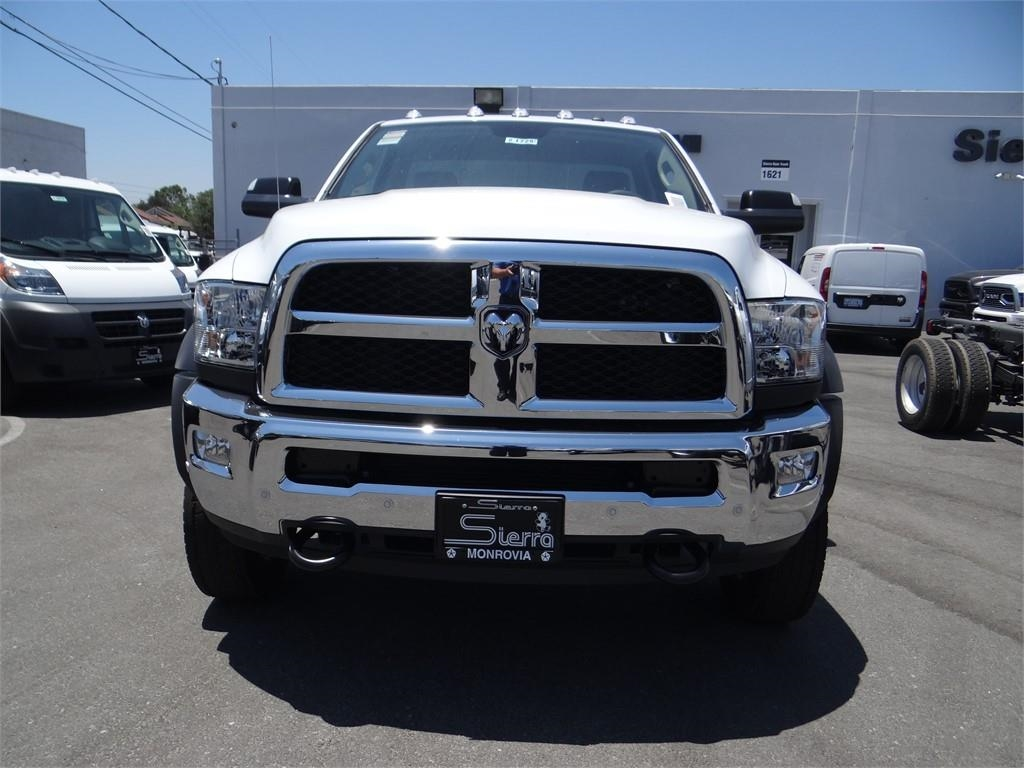 2018 Ram 5500 Regular Cab DRW 4x2,  Cab Chassis #R1725T - photo 7