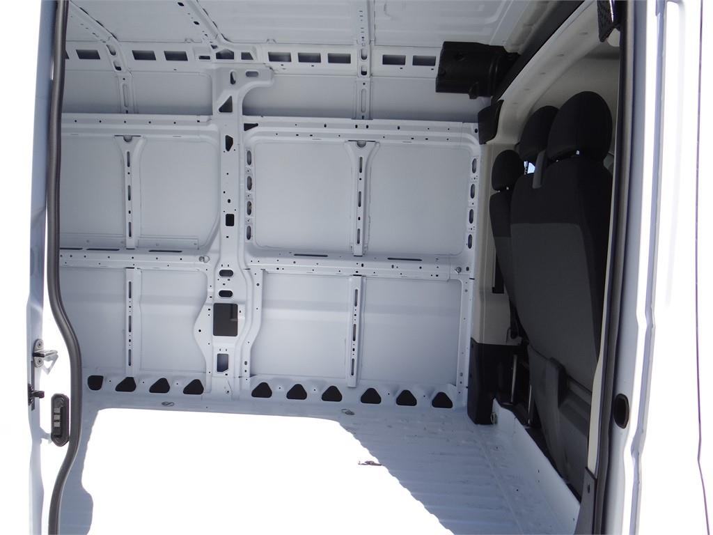 2018 ProMaster 3500 High Roof FWD,  Empty Cargo Van #R1770T - photo 18