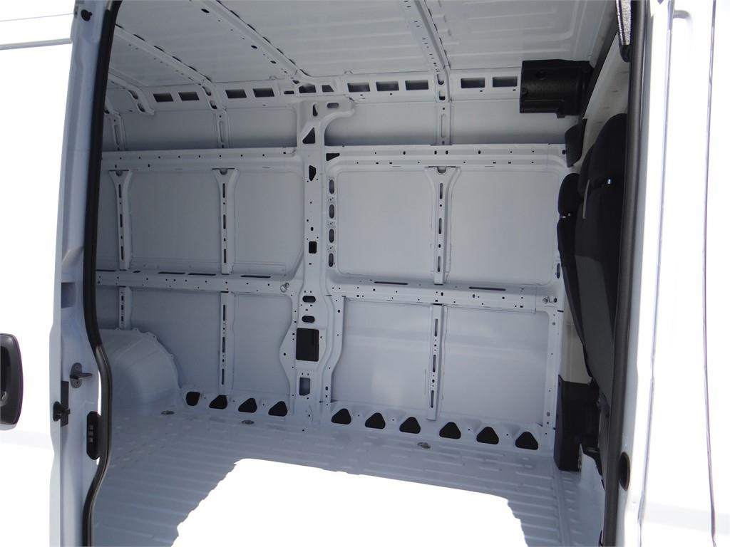 2018 ProMaster 3500 High Roof FWD,  Empty Cargo Van #R1775T - photo 18