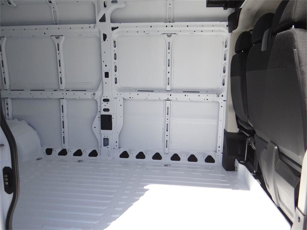 2018 ProMaster 2500 High Roof FWD,  Empty Cargo Van #R1781T - photo 19