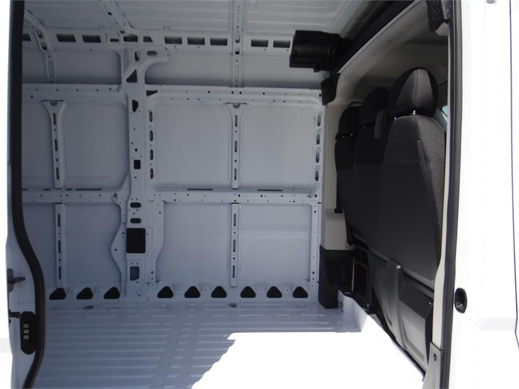 2018 ProMaster 2500 High Roof FWD,  Empty Cargo Van #R1789T - photo 19