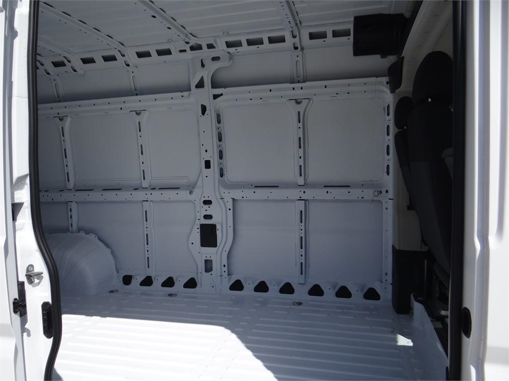 2018 ProMaster 2500 High Roof FWD,  Empty Cargo Van #R1792T - photo 19