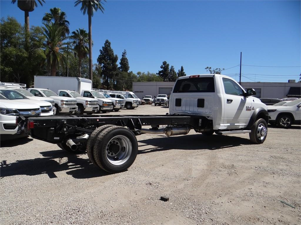 2018 Ram 5500 Regular Cab DRW 4x2,  Cab Chassis #R1796T - photo 2