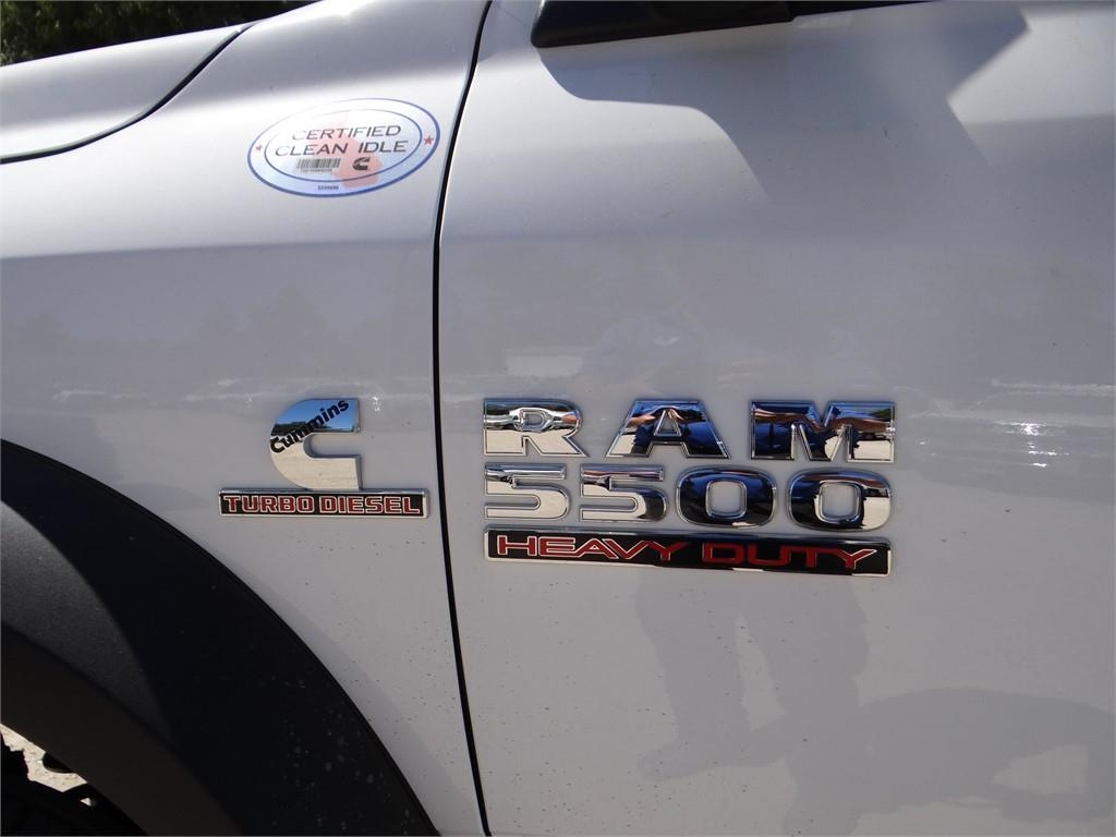 2018 Ram 5500 Regular Cab DRW 4x2,  Cab Chassis #R1796T - photo 14