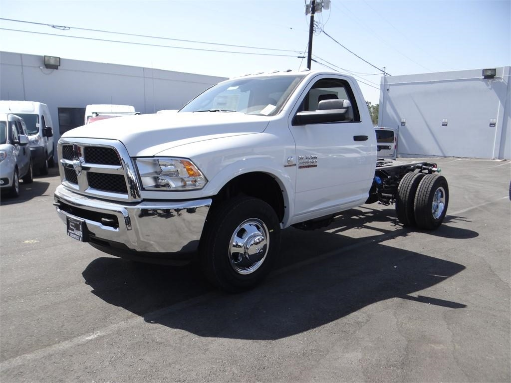 2018 Ram 3500 Regular Cab DRW 4x2,  Cab Chassis #R1805T - photo 7