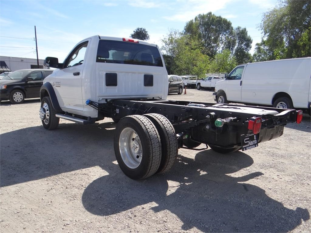 2018 Ram 5500 Regular Cab DRW 4x2,  Cab Chassis #R1809T - photo 5