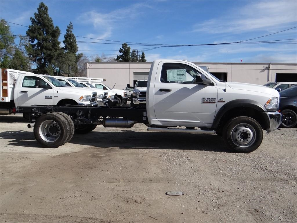 2018 Ram 5500 Regular Cab DRW 4x2,  Cab Chassis #R1832T - photo 3