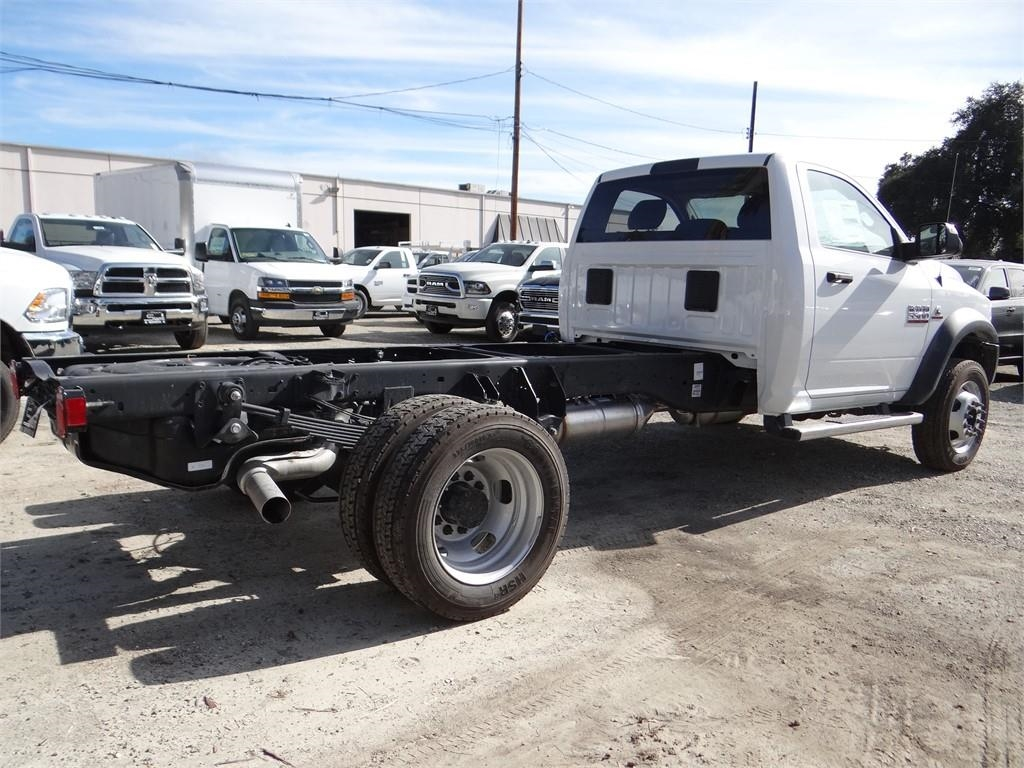 2018 Ram 5500 Regular Cab DRW 4x2,  Cab Chassis #R1832T - photo 2