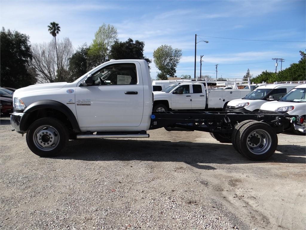 2018 Ram 5500 Regular Cab DRW 4x2,  Cab Chassis #R1832T - photo 6