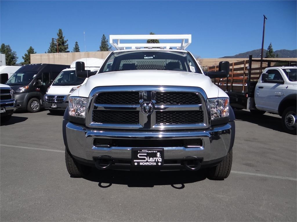 2018 Ram 5500 Regular Cab DRW 4x2,  Royal Contractor Body #R1845T - photo 7