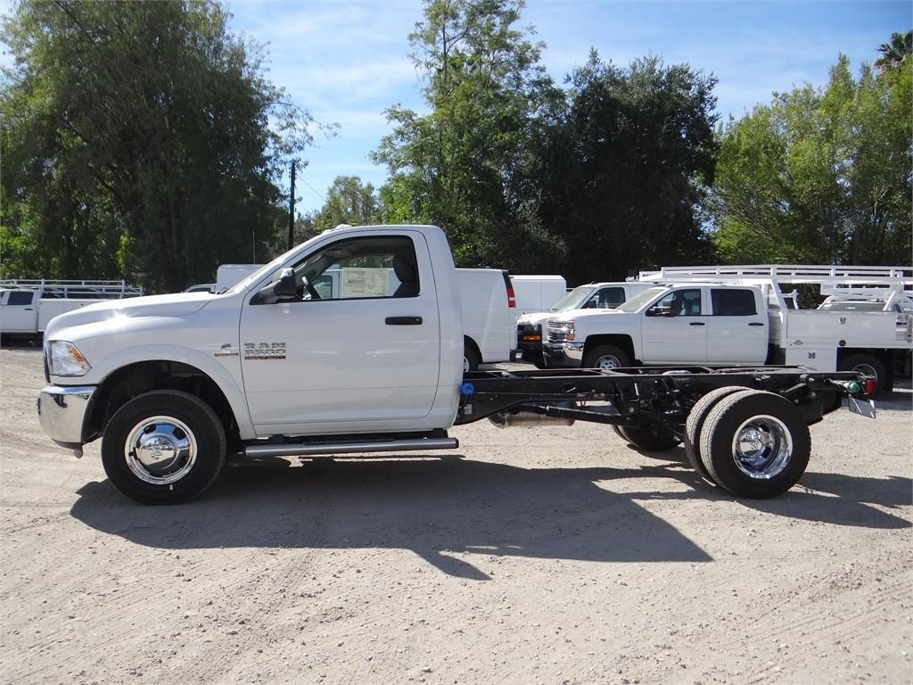 2018 Ram 3500 Regular Cab DRW 4x2,  Cab Chassis #R1846T - photo 6