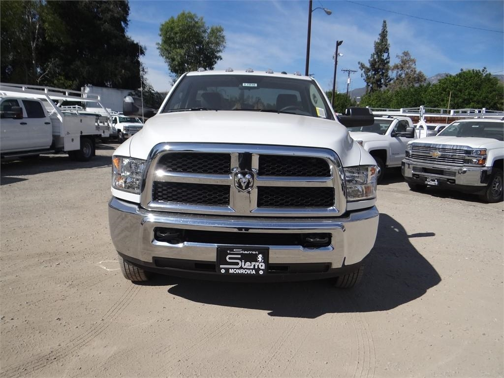 2018 Ram 3500 Regular Cab DRW 4x2,  Cab Chassis #R1846T - photo 8