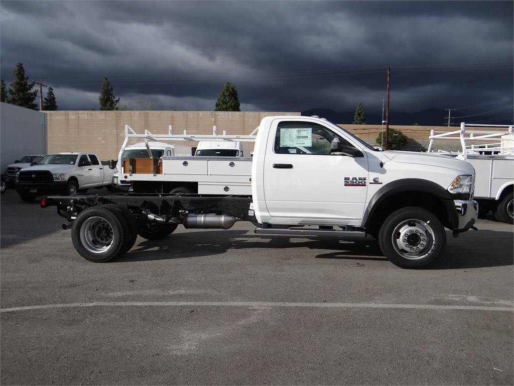 2018 Ram 5500 Regular Cab DRW 4x2,  Cab Chassis #R1855T - photo 3