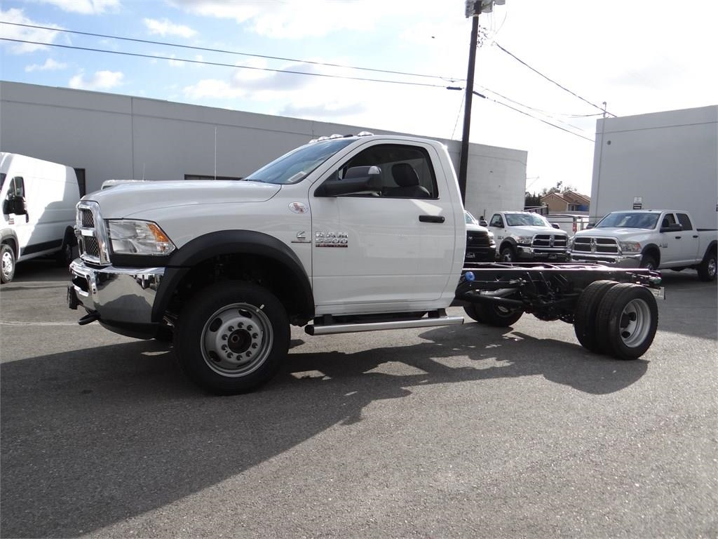 2018 Ram 5500 Regular Cab DRW 4x2,  Cab Chassis #R1855T - photo 6