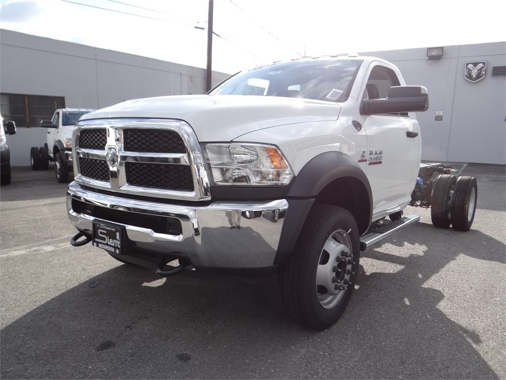 2018 Ram 5500 Regular Cab DRW 4x2,  Cab Chassis #R1855T - photo 7