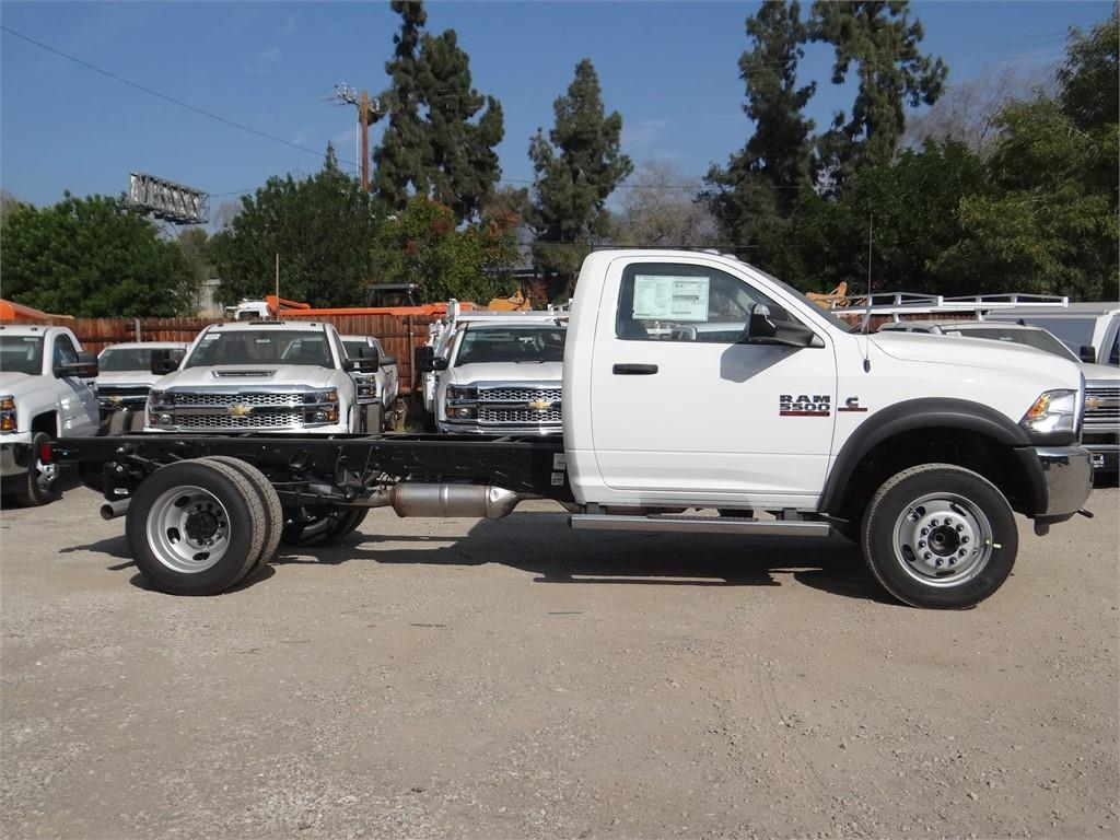 2018 Ram 5500 Regular Cab DRW 4x2,  Cab Chassis #R1856T - photo 3