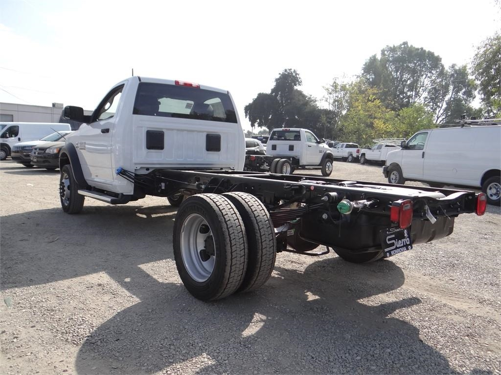 2018 Ram 5500 Regular Cab DRW 4x2,  Cab Chassis #R1856T - photo 5