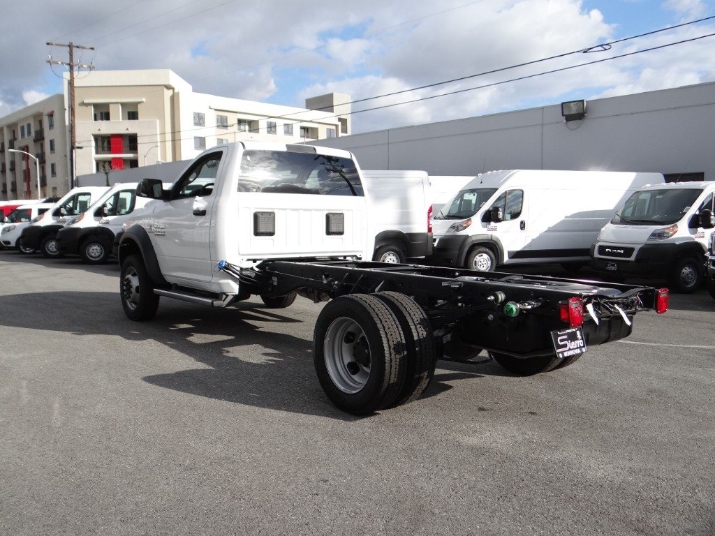 2018 Ram 4500 Regular Cab DRW 4x2,  Cab Chassis #R1865T - photo 5