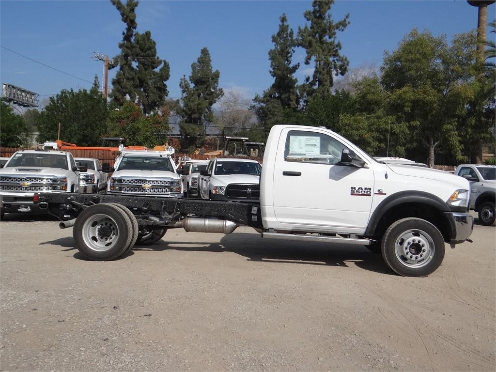 2018 Ram 5500 Regular Cab DRW 4x2,  Cab Chassis #R1880T - photo 3