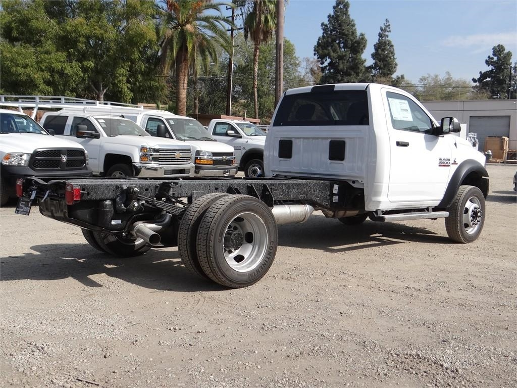 2018 Ram 5500 Regular Cab DRW 4x2,  Cab Chassis #R1880T - photo 2
